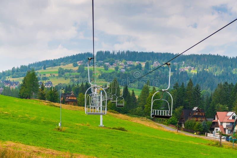 Setzen Sie Aufzug im Berg in Zakopane, Polen lizenzfreies stockfoto