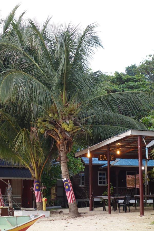 Setzen Sie Café bei Coral Bay, Perhentian-Insel Kecil, Malaysia auf den Strand lizenzfreie stockfotografie