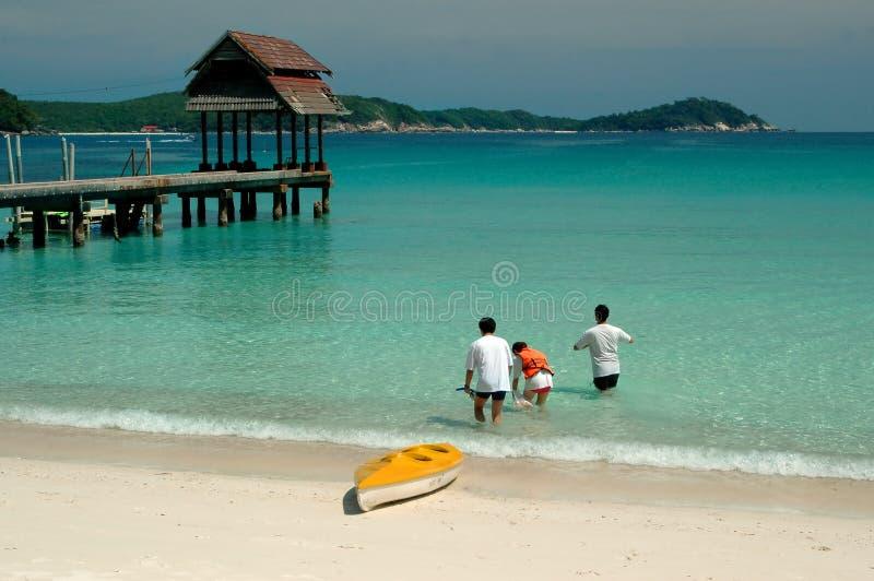 Setzen Sie Landschaft auf den Strand stockfotos