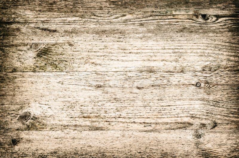 Setzen Sie ordentliche der hölzernen strukturierten Hintergrundplatte die horizontale und helle Farbe geblichen braun auf den Str stockfoto