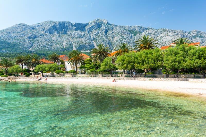 Setzen Sie in Orebic auf Peljesac-Halbinsel, Dalmatien, Kroatien auf den Strand lizenzfreie stockfotos