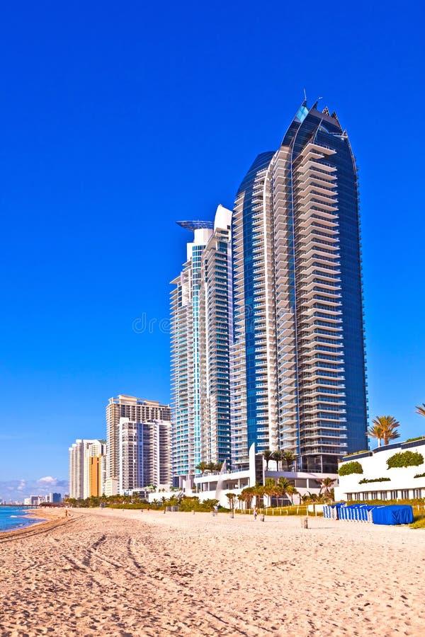Setzen Sie in sonnigen Inseln, Miami früher Morgen auf den Strand lizenzfreie stockfotos