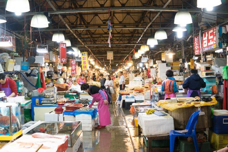 Seul, Corea del Sur, puede 15, 2017 Mercado de pescados de Noryangjin fotografía de archivo