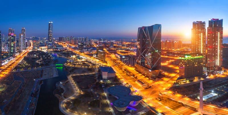 Seul miasto z Pięknym po zmierzchu i drapacz chmur, centrala p zdjęcia royalty free