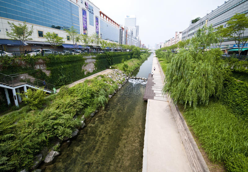 Seul - río artificial foto de archivo libre de regalías