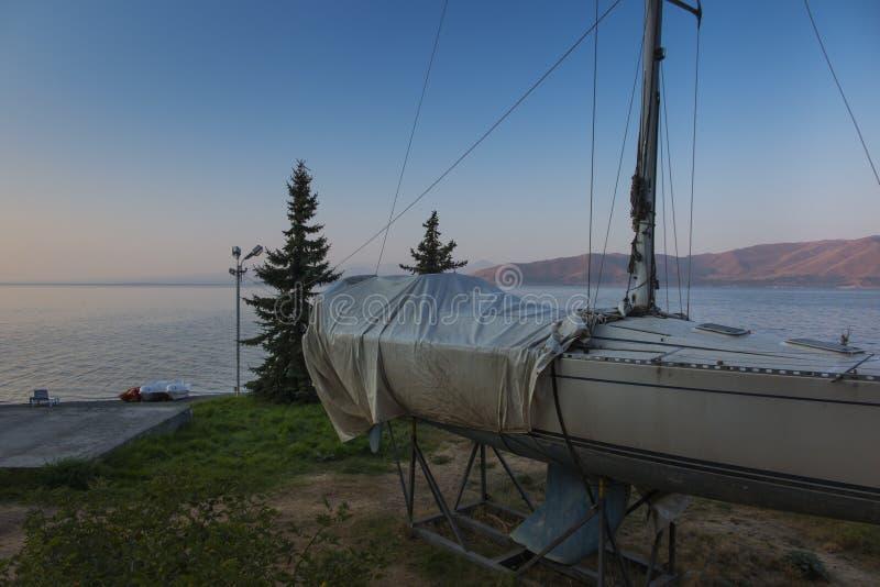 Sevan高湖的岸  免版税库存照片