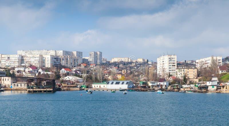Sevastopol fjärd, sjösidacityscape crimea arkivbild