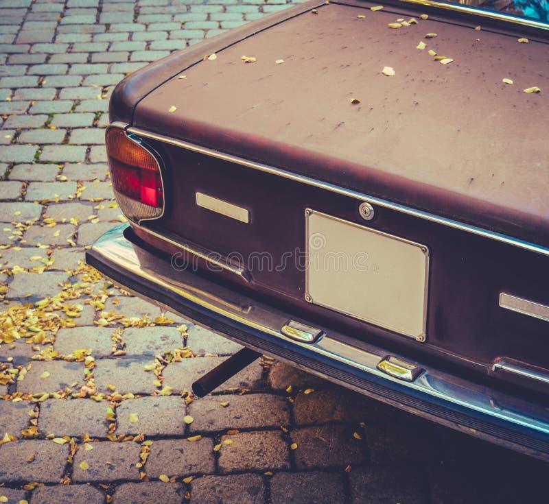 Seventies bryner bilen fotografering för bildbyråer