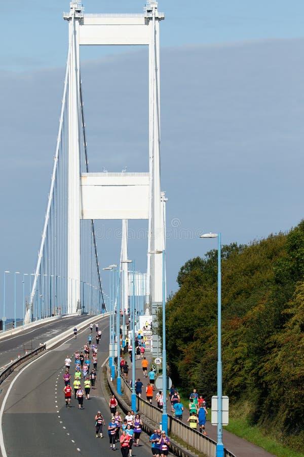 Severn桥梁半马拉松,格洛斯特郡,英国 库存照片