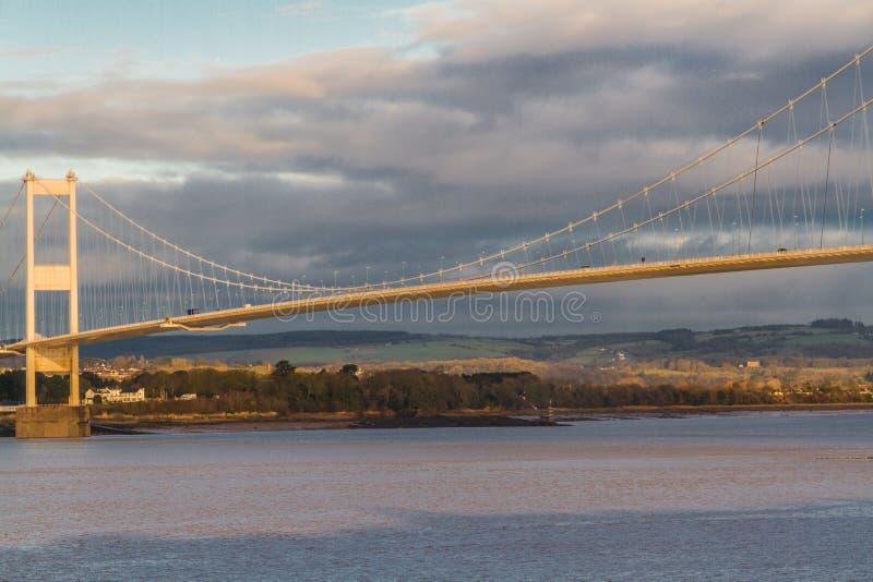 Severn Bridge im Morgenlicht stockbild
