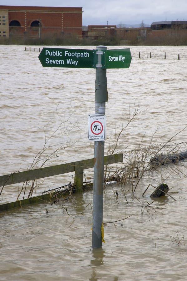 Severn Way Public Footpath sob a água fotos de stock