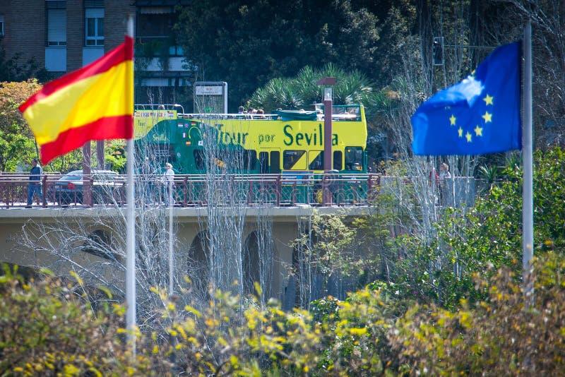 Sevilla, Andalucía, España - español la bandera europea imagen de archivo