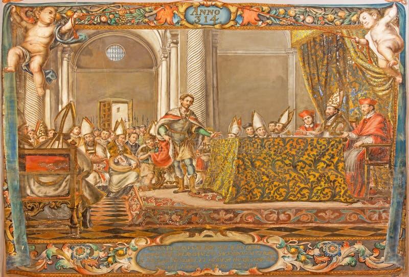 Sevilla - de fresko van scène als Keizer Constantine spreekt op de raad in Nicaea (325) in kerk Hospital DE los Venerables royalty-vrije stock afbeeldingen