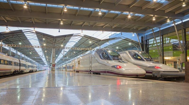 Sevilla - de platforms van Maria Zambrano Train-post van Malaga in ochtend royalty-vrije stock afbeelding
