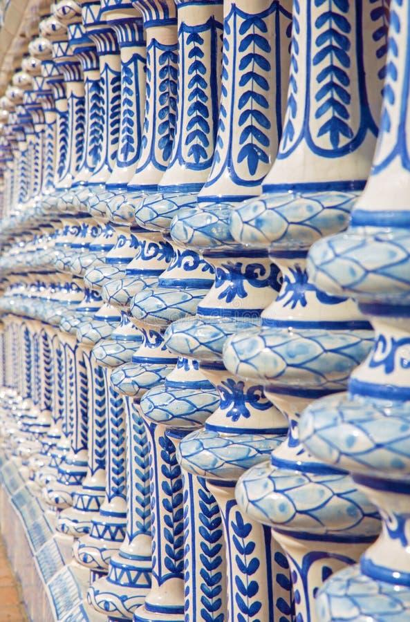 Sevilla - die keramische Balustrade der Piazzas de Espana lizenzfreie stockbilder