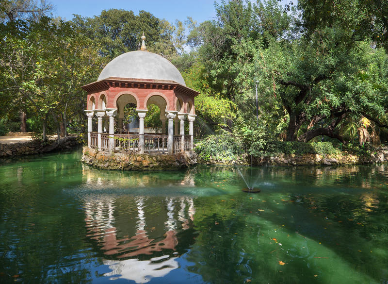 Sevilla - el parque de Maria Luisa de la casa de verano imagen de archivo