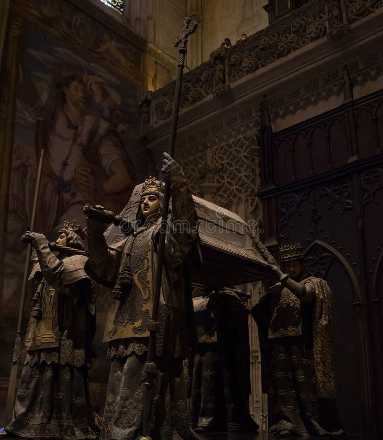 Sevilla, España - 19 de junio: La tumba del insid de Cristóbal Colón fotos de archivo libres de regalías