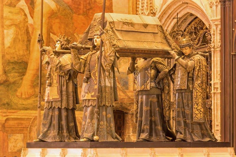 Sevilla - la tumba de Christopher Columbus de Arturo Melida y Alinari (1891) en la catedral de Santa Maria de la Sede imagen de archivo libre de regalías