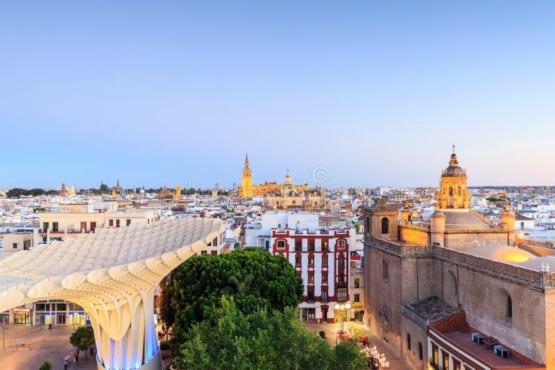 Sevilla met Santa Maria de la Sede Cathedral, Andalusia stock fotografie