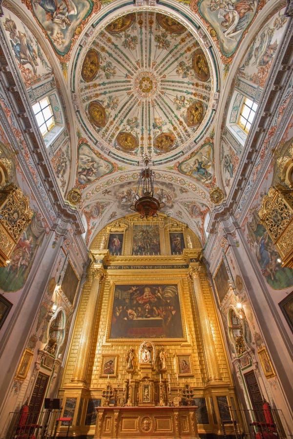 Sevilla - presbiterio de la iglesia barroca Hospital de los Venerables Sacerdotes foto de archivo libre de regalías