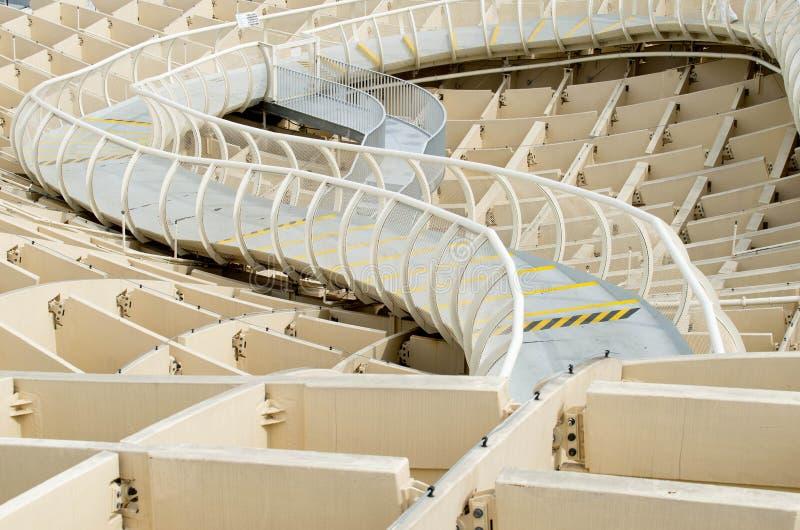 SEVILLA, SPANIEN - 5. JUNI: Metropol-Sonnenschirm in Plaza de la Encarna lizenzfreies stockfoto