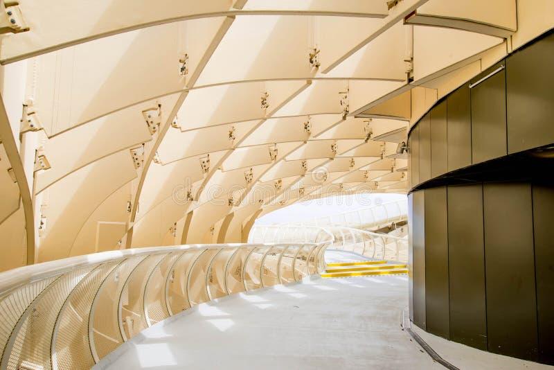 SEVILLA, SPANIEN - 5. JUNI: Metropol-Sonnenschirm in Plaza de la Encarna stockbild