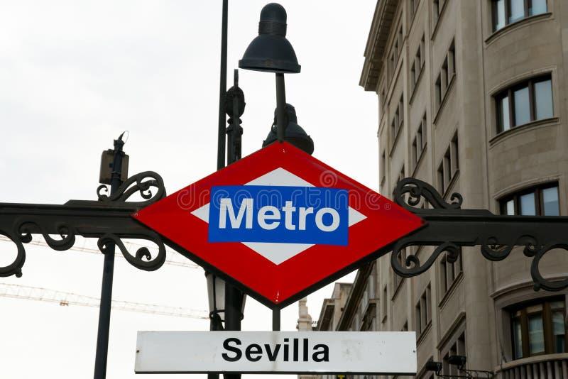Sevilla Station Metro Sign - Madrid - la Spagna fotografia stock