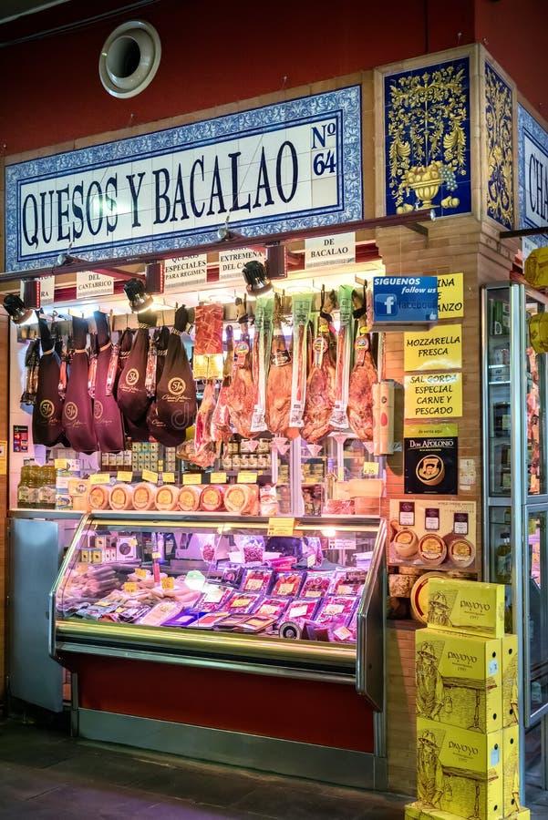 """SEVILLE †""""SPANIEN: Den Triana marknaden arkivbild"""