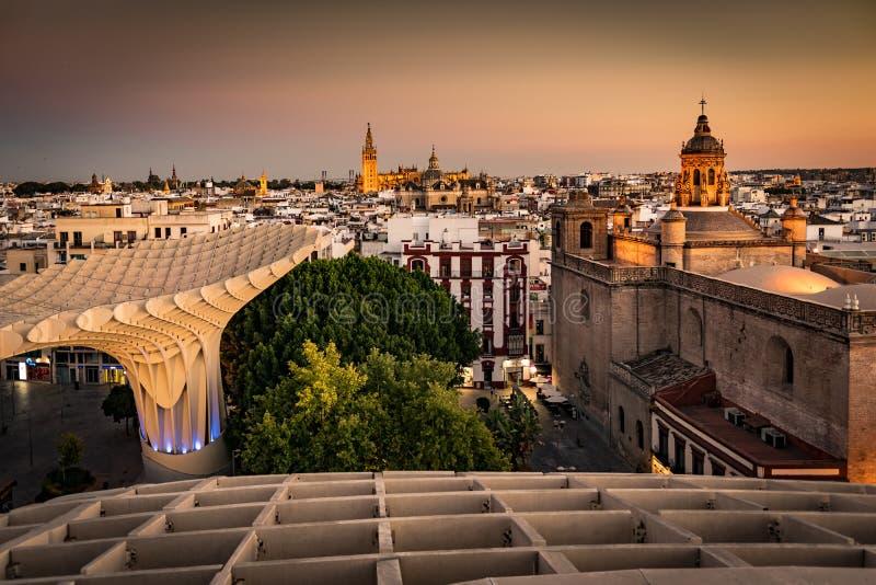 Seville, Hiszpania linia horyzontu w Starej ćwiartce obrazy royalty free