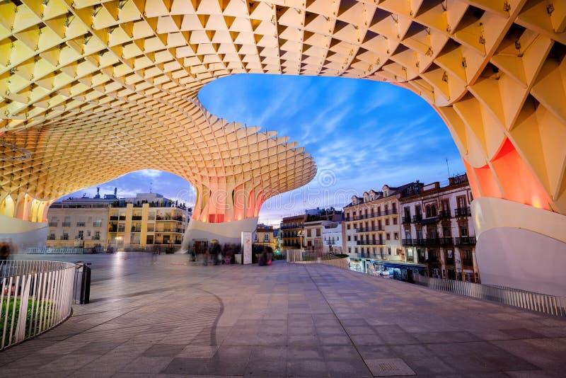 Seville Hiszpania, Luty, - 16, 2017: Metropol Parasol struktura projektująca niemieckim architektem J Mayer i uzupełniający w 201 zdjęcie royalty free