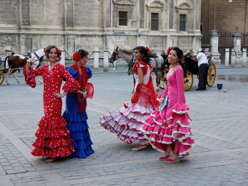 Seville Spain/16th Kwiecień 2013/A grupa młode Hiszpańskie damy ja fotografia stock