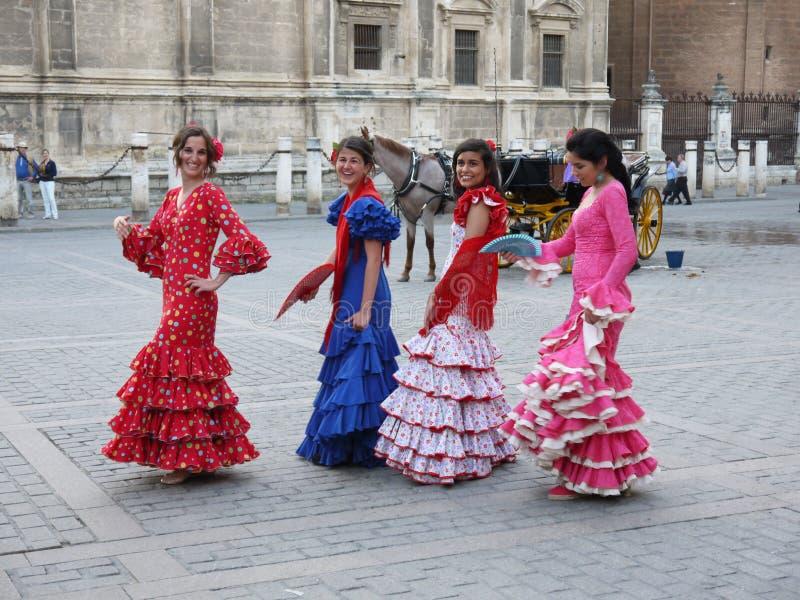 Seville Spain/16th Kwiecień 2013/A grupa młode Hiszpańskie damy ja zdjęcia stock