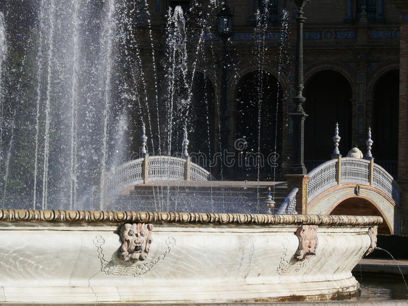 Sevillla, Spanje, 01/02/2007 Royal Palace-Vierkant Fontein stock afbeeldingen