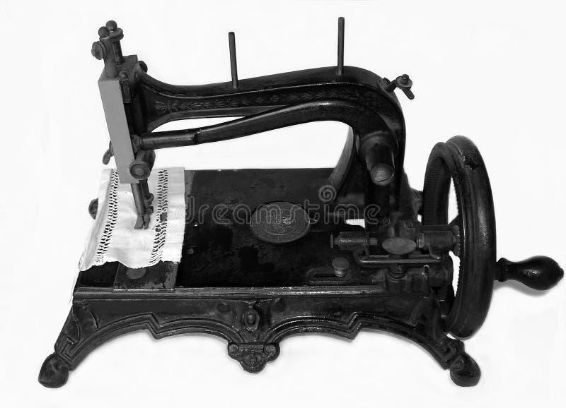 Sewing-máquina (dezenove séculos) fotografia de stock