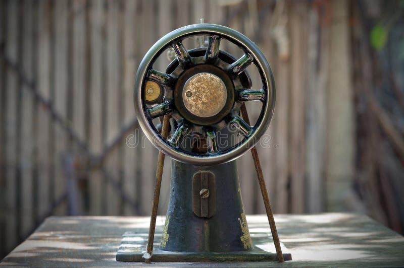 Sewing-máquina velha foto de stock