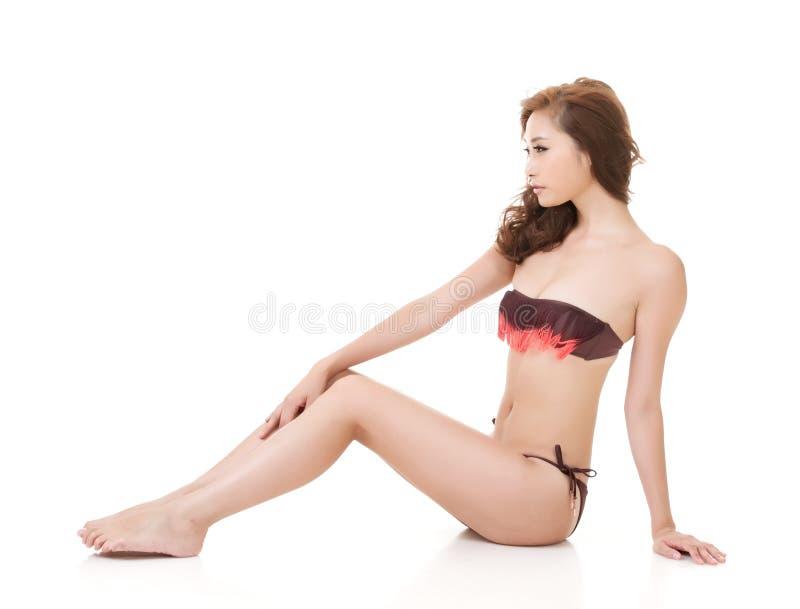 Sexig bikinikvinna av asiatet royaltyfria foton