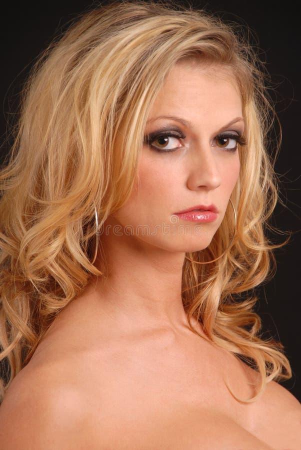 sexig blond headshot royaltyfri bild