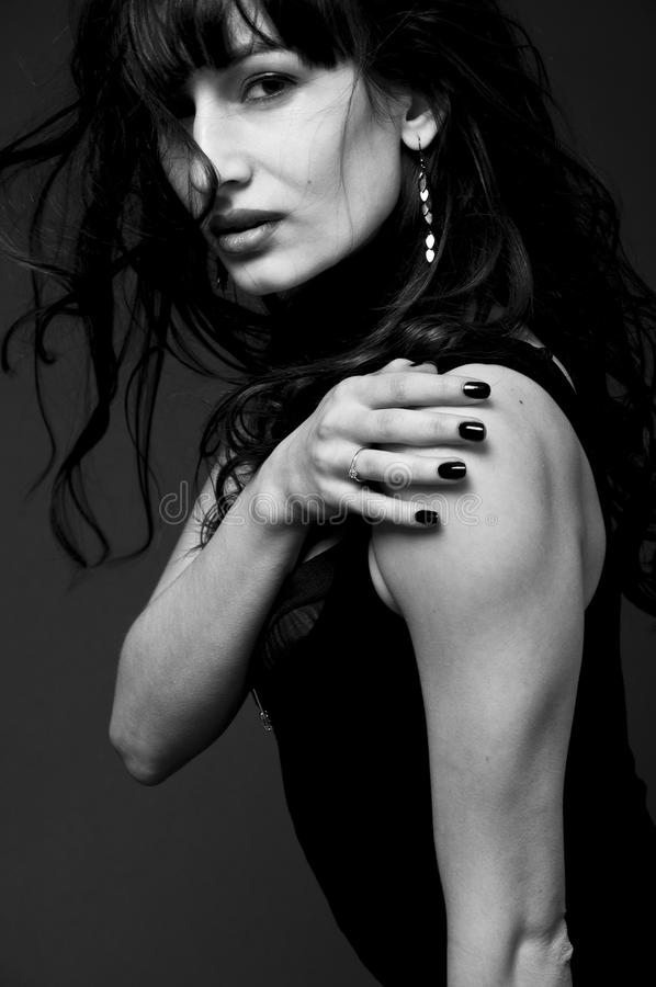 Sexig brunettkvinna arkivbilder