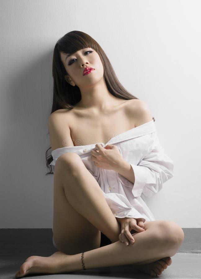 Sexig kinesisk kvinna royaltyfri bild