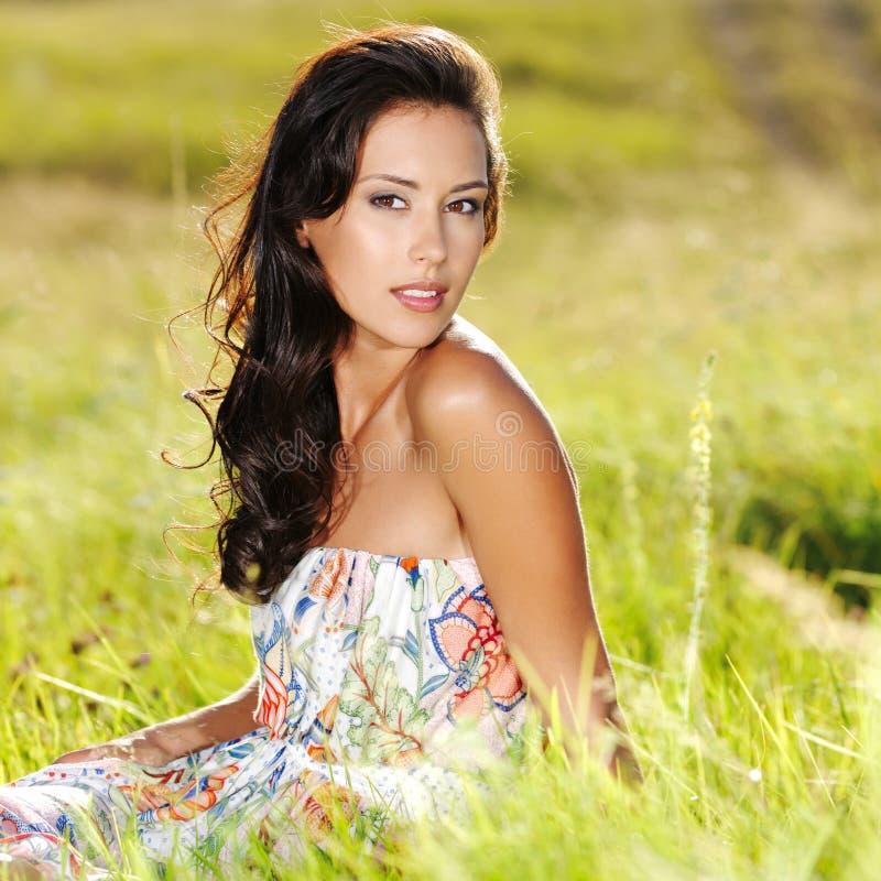 sexig kvinna för härlig natur royaltyfri fotografi