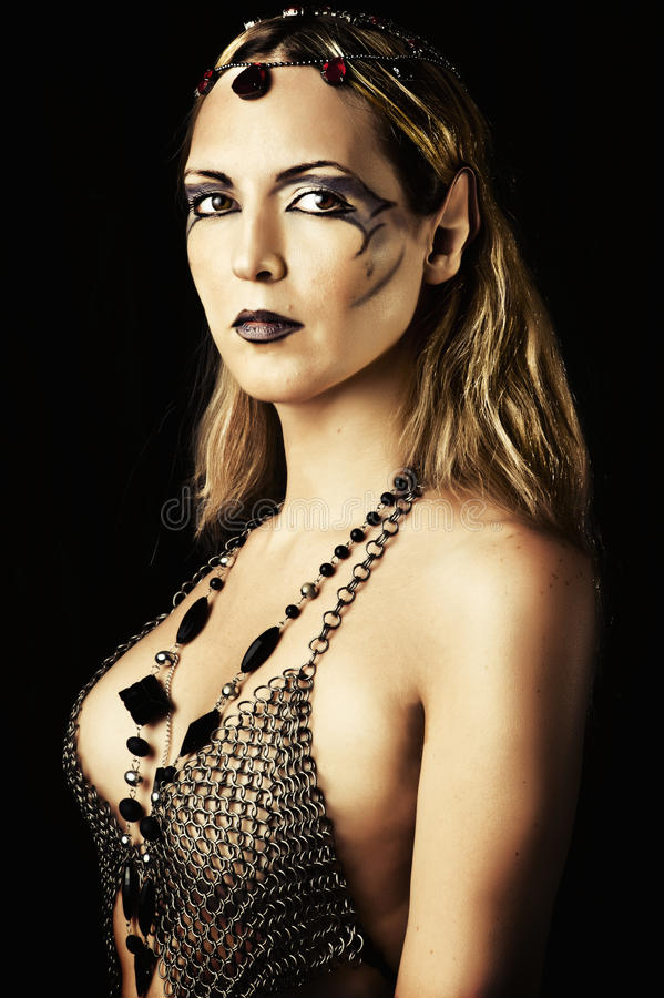 Sexig kvinna i elfin stil och smink royaltyfri fotografi