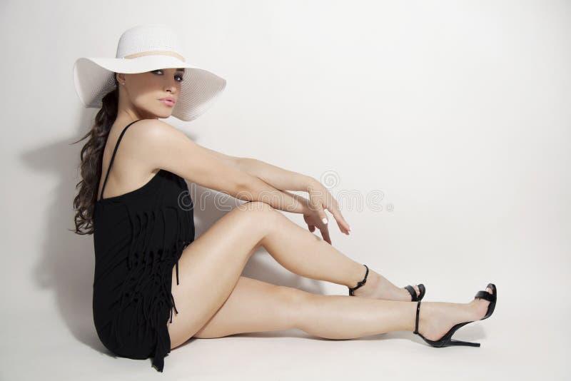 sexig stående för makeup för ferie för skönhetmodeflicka royaltyfria bilder