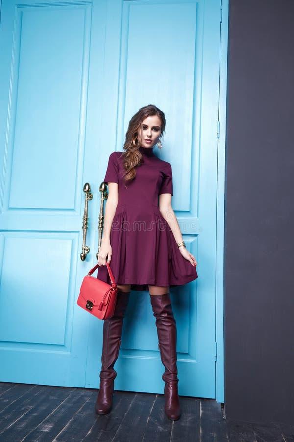 Sexig stil för mode för makeup för skönhetkvinnakläder arkivfoto