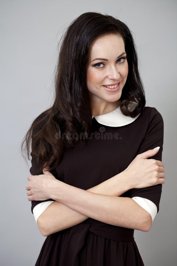 Download Sexuell ung lycklig kvinna fotografering för bildbyråer. Bild av kappa - 37344947