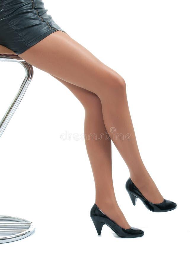Sexy benen en hoge hielen stock afbeeldingen