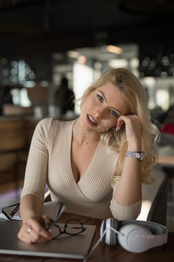 Free Sexy Blonde Businesswoman Portrait Stock Images - 144054464