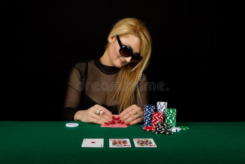 Sexy Blonde het Spelen Pook stock foto's