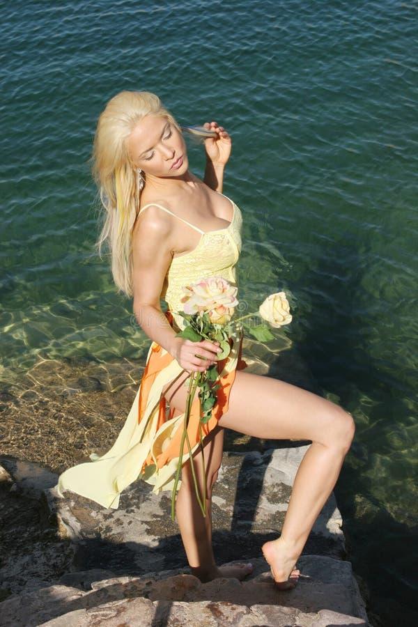 Sexy blonde vrouw royalty-vrije stock fotografie