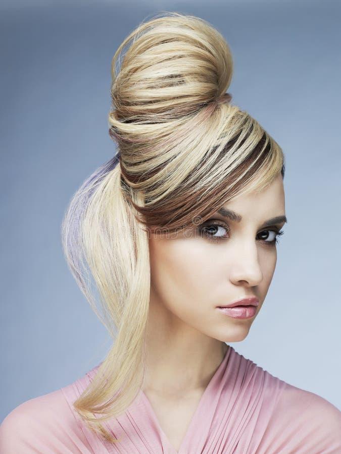Sexy Blondine stockfoto. Bild von blondine, sexy - 100350374