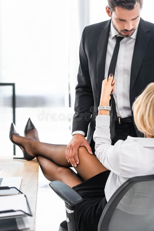 Free Sexy Businesswoman Flirting With Colleague Royalty Free Stock Images - 177383139